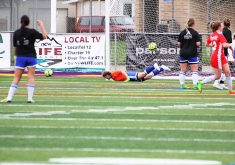 Natalie Nagle's free kick lifts Yakima over NCW. (Tracie Fowler)