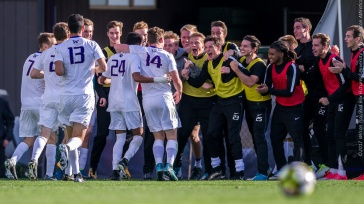Washington Huskies men's soccer defeats Oregon State Beavers 2-1 at Husky Soccer Stadium, Seattle, Washington on October 1, 2017.